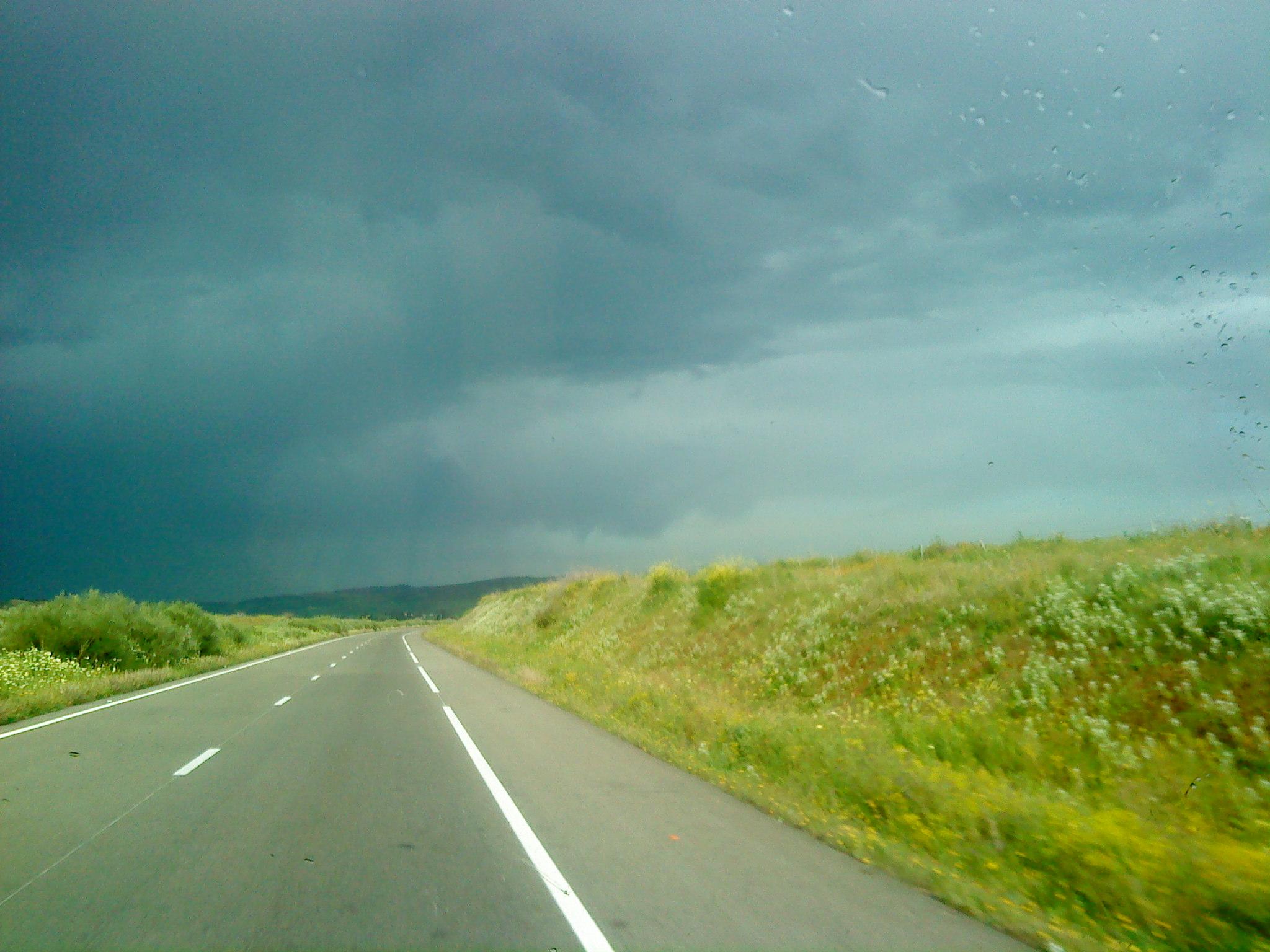 Myriam GAGNAIRE Maroc. Route après la pluie